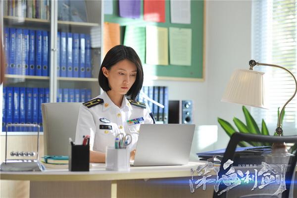 图片: 刘璐饰金子晴_调整大小.jpg