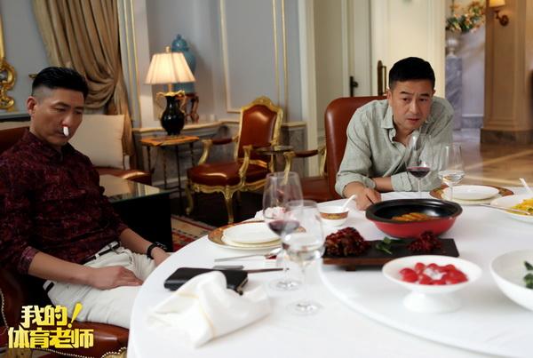 图片: 3.马克与赵岭在饭店谈心_调整大小.jpg